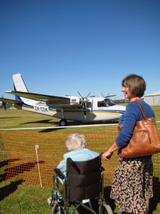 Nana goes to see the planes.